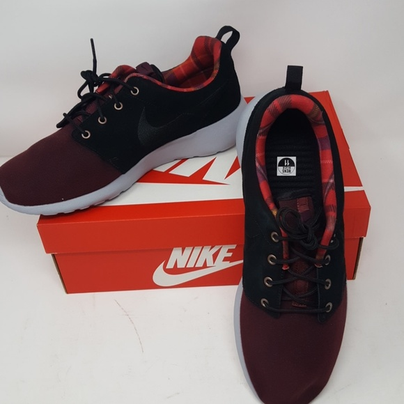 reputable site 67849 3de1d Nike Roshe One Premium NWT